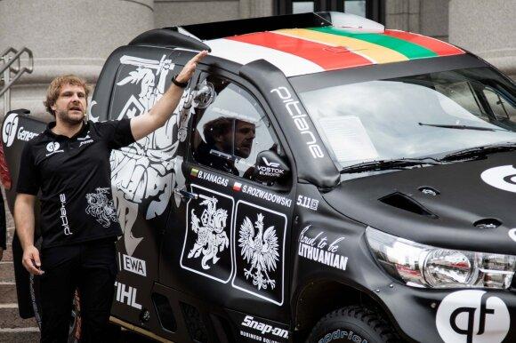Vanagas parodė, kokiu automobiliu lenktyniaus Dakaro ralyje: tokio norėjo dar prieš dvejus metus