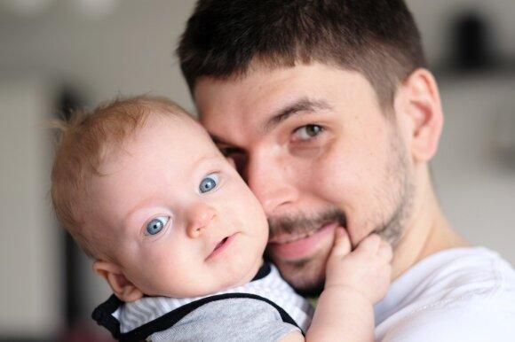 Tik 9 sakiniai, bet juose telpa visa motinystės ir tėvystės esmė
