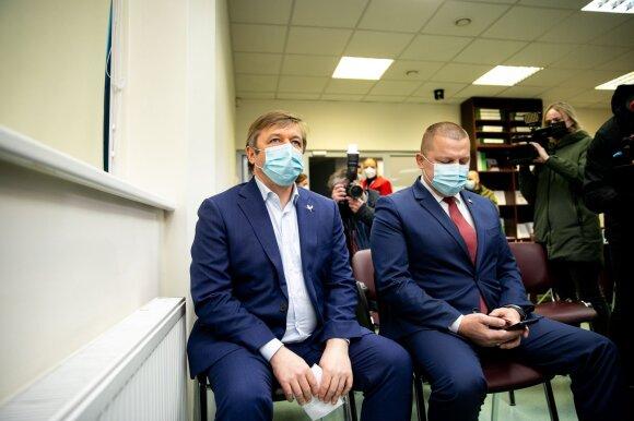 Pasitraukęs iš Seimo Karbauskis prabilo apie slaptą balsavimą frakcijoje