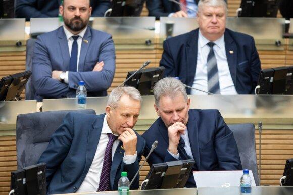 Seimo narių išlaidos kaip ant delno: kiek turi, tiek ir išleidžia