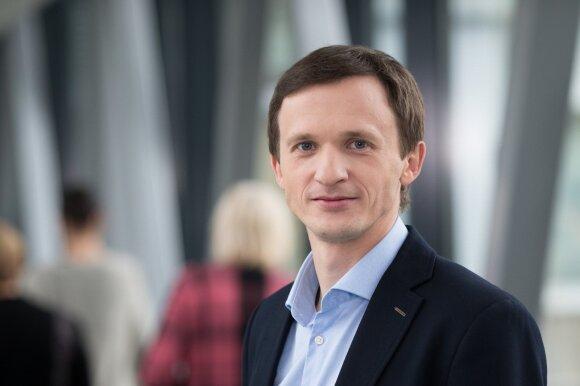 Vilniaus Gedimino technikos universiteto (Vilnius Tech) absolventas D. Mažeika pasakoja, kuo biotechnologijos svarbios šiuolaikiniame pasaulyje ir ko iš jų galima laukti ateityje. Wikipedia / Asmeninio archyvo nuotr.