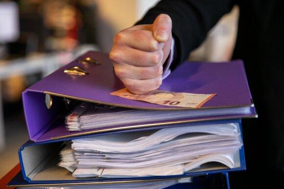 Teisininkai užversti verslininkų klausimais: svarsto bankroto scenarijus