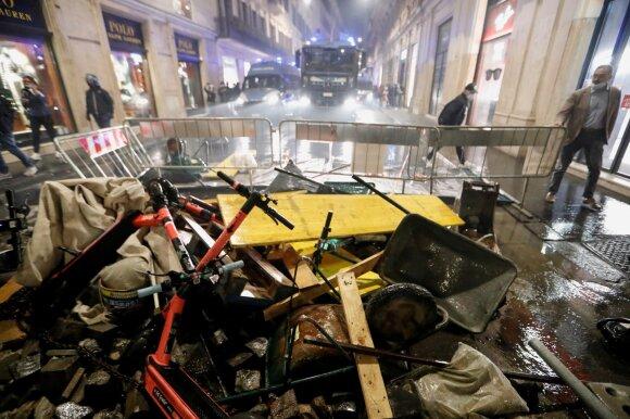 Italija dėl COVID-19 imasi priemonių, Europoje kol kas neturinčių precedento