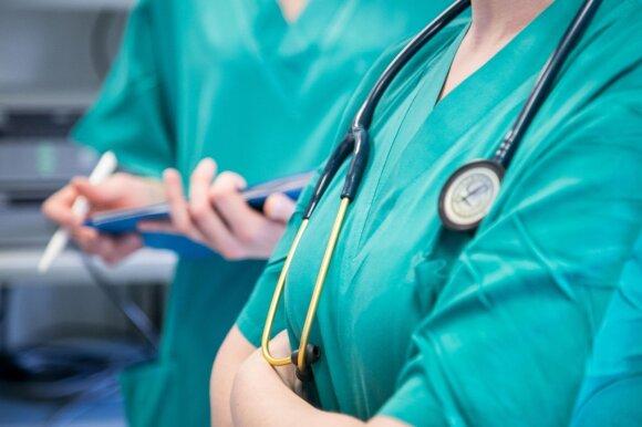 Po tragiško įvykio medikai prabilo apie baisią situaciją darbe: nesužiūrime vienas kito, kol kolega ima ir nusižudo
