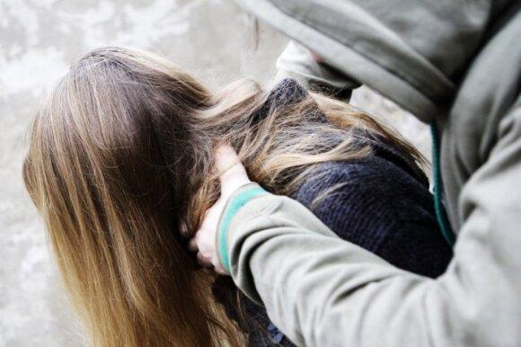 Šiose šeimose vaikai patiria tikrą siaubą: atvirai prabilo apie tai, kas slepiama po devyniais užraktais