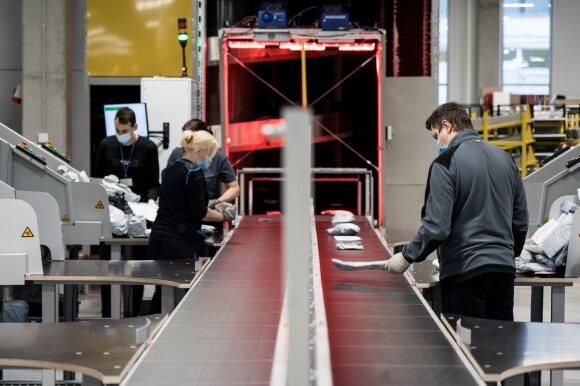 Lietuvos paštas automatizuoja procesus: reikės mažiau darbuotojų, bet siuntos pasieks gerokai sparčiau