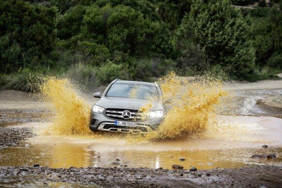 """Ženevoje pristatytas balsu valdomas """"Mercedes-Benz GLC"""""""