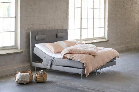 Dvigulė lova Onni Unigold (ISKU nuotr.)