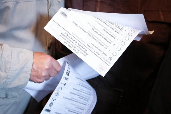 Rinkimų biuleteniai (asociatyvi nuotr.)