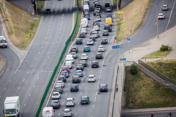 Automobilių mokestis tampa realybe: vieną kartą susimoki ir važinėji laimingas