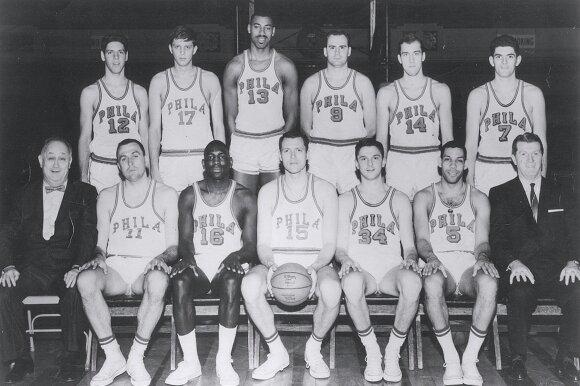 1961-1962 metų Warriors ekipa, Tomas Meschery stovi antras iš dešinės