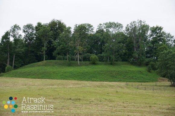 Milžavėnų arba Pabalčių piliakalnis