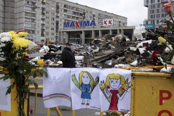 """Rygoje gedima žuvusiųjų prekybos centre """"Maxima"""""""