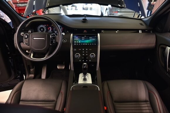 "Atnaujintas ""Land Rover Range Rover Discovery Sport"""