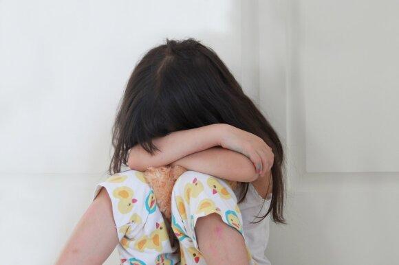 Kas penktas tėvas nežino, kaip padėti nuo patyčių kenčiančiam vaikui: siūlomi nemokami mokymai