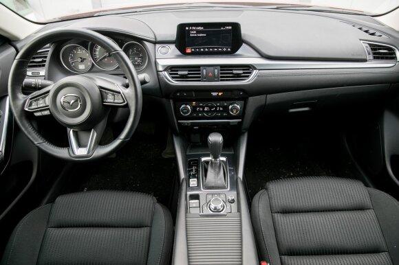 """""""Mazda6"""" interjeras"""