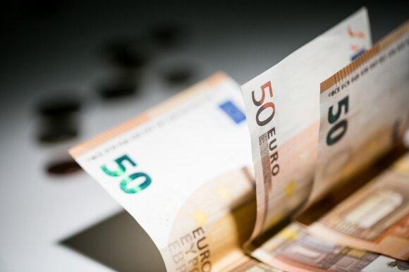 """Austrija bando išlaisvinti """"auksiniame narvelyje"""" įkalintus 70 mlrd. eurų"""