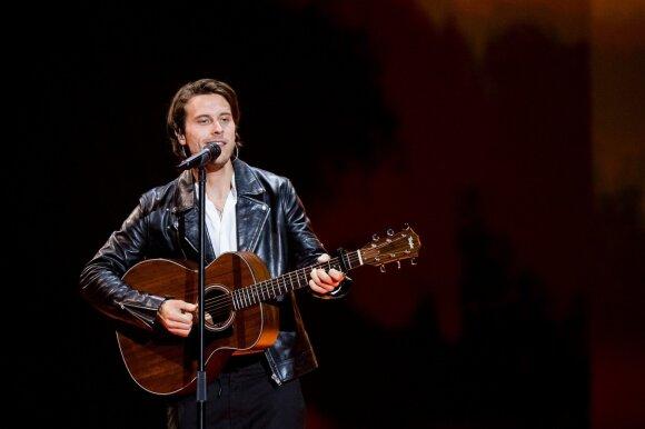 Eurovizijos finalas. Estija: Victoras Crone'as – Storm
