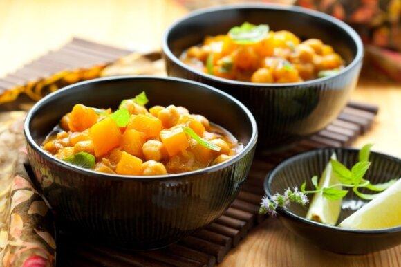 Avinžirnių troškinys - vienas iš patiekalų, kurį valgo vegetariškus darželius lankantys vaikai