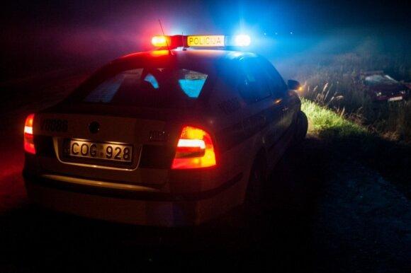 Nuo policijos bėgusį BMW vairuotoją teismas pripažino nekaltu – užteko vienos patrulių klaidos
