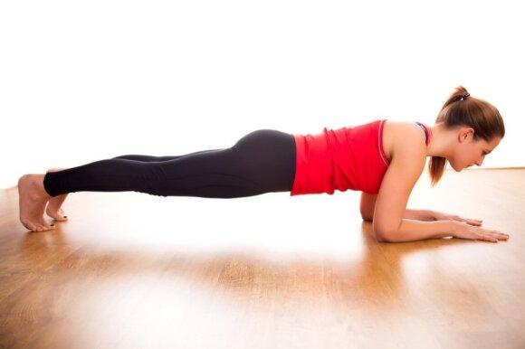 5 geriausi raumenų stiprinimo pratimai nesportuojantiems