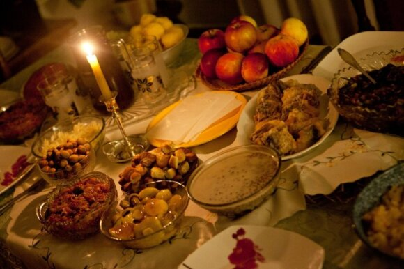 Lithuanian <em>Kūčios</em>: awe-inspiring rites in anticipation of Christmas