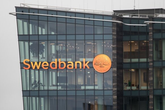 """Po """"Swedbank"""" skandalo – žinutė klientams Lietuvoje: reputacijai tai atsilieps skaudžiai"""