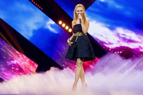 """Pasirodymą ant šieno atrankoje į """"Euroviziją"""" surengusios """"Pop ladies"""" merginos sulaukė netikėto A. Valinsko pasiūlymo"""