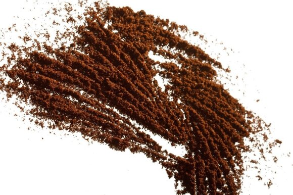 Kaip panaudoti kavos tirščius sodininkystėje?