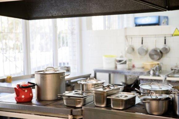 Darželyje sriuba apsipylusi trimetė patyrė antro laipsnio nudegimą: mama netiki darželio direktorės versija