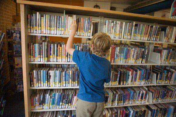 Kai skaitymas tampa kančia: mokytojos pažėrė patarimų, ką daryti, kad vaikai noriai skaitytų
