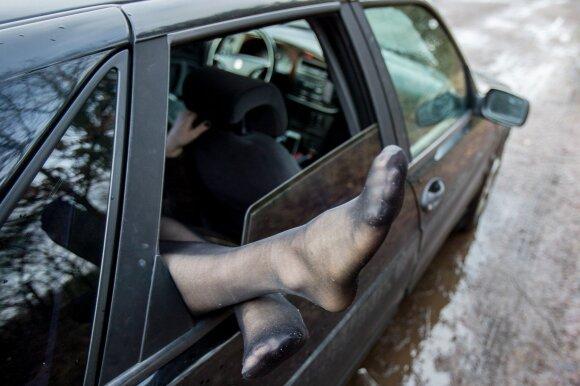Automobilį pravartu periodiškai išvėdinti