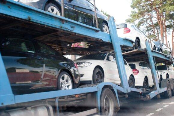 Automobilių pardavėjų taikoma apgaulė, ant kurios sudėtinga neužkibti