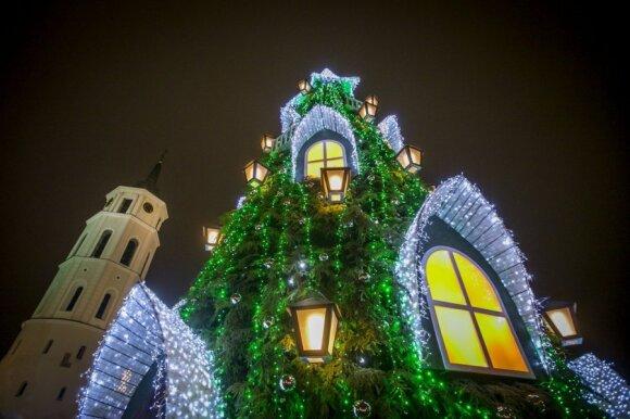 Feisbuke žaibiškai plinta nuotraukos su užrašu Katedros aikštėje