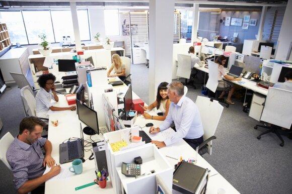 Ragina derėtis dėl trumpesnės darbo savaitės: užtektų dirbti ir keturias dienas