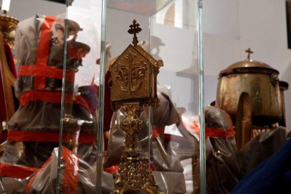 Iš Paryžiaus katedros išgelbėtos relikvijos