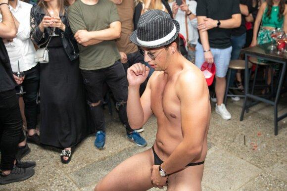 """Alfa vyro"" Airino striptizas"