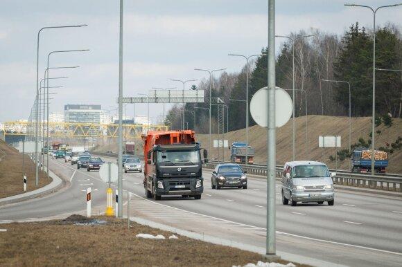 Unikali sistema Lietuvos keliuose: apie jūsų automobilį ir pažeidimus žinos viską