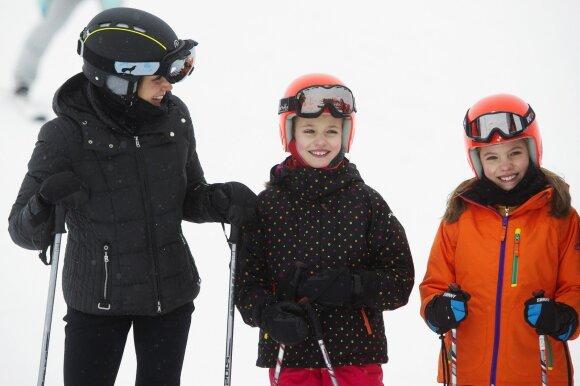 Karalienė Letizia su dukromis
