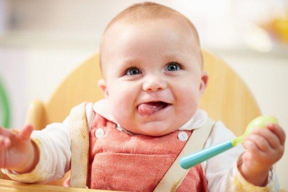 Mažylio primaitinimas: tėvų klaida, stabdanti vaiko raidą