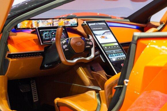 """""""GFG Style"""" Ženevoje pristatė elektrinį superautomobilį """"Kangaroo"""""""