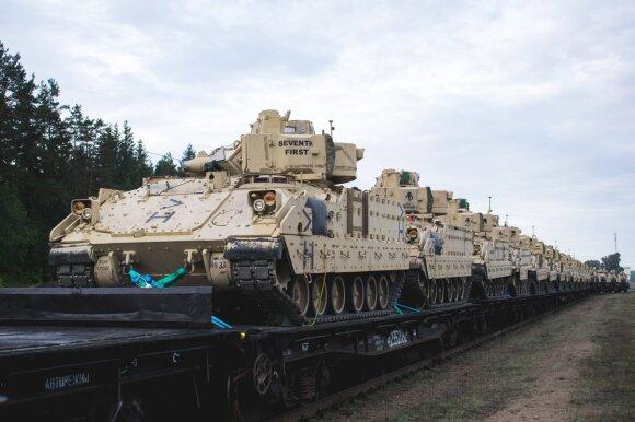 """""""Rail Baltica"""" teiks ne tik ekonominę naudą, bet ir didesnį saugumą – geležinkeliu galės greitai judėti NATO kariuomenės daliniai (M. Lysenko nuotr.)"""