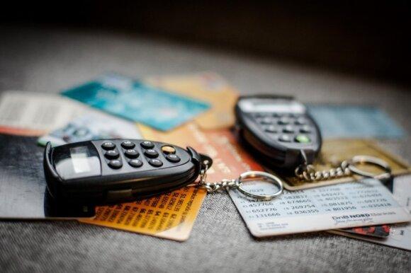 Už prekes norėjęs susimokėti vilnietis nustėro: iš sąskaitos išgaravo arti tūkstančio eurų