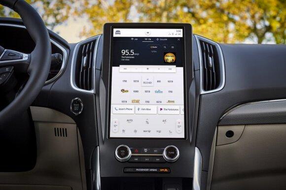 5 automobilių technologijos, atsiradusios iš telefonų