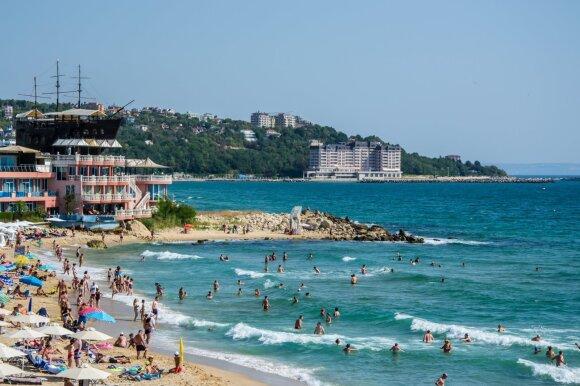 Vasaros atostogų sezonas prasideda: kurios Europos šalys atveria sienas lietuviams