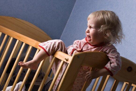 Viena iš priežasčių, kodėl vaikai prastai miega