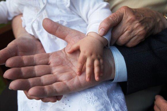 Už krikštynas bažnyčiai palieka ir 150 eurų: skirtinguose regionuose – skirtingas aukos dydis