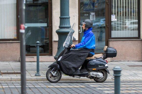 Sukritikavo motociklų ir motorolerių vairuotojus: kai kurios klaidos kartojasi nuolat