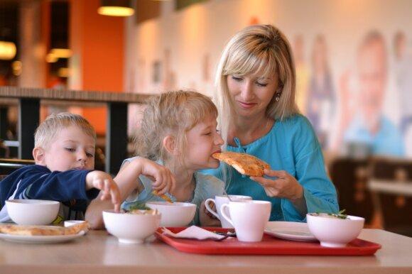 Liutauras Čeprackas pasipiktino dėl vaikų restoranuose: jei neturi kur jų palikti, sėdėk namuose