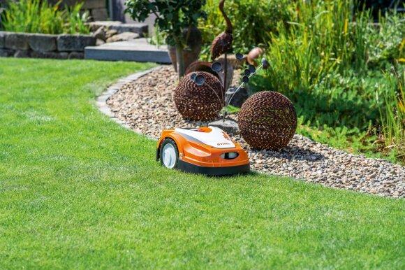 Vejos robotas – protinga ir ilgalaikė investicija, kuri leis džiaugtis tobulai atrodančia veja: laimėkite šį pagalbininką